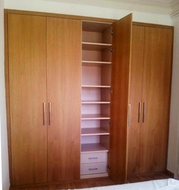 Armario de madera antiguo armario de madera aos de nancy completo insprate con fotos de - Armarios exterior madera ...