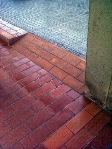 Rampa acceso. Reforma 2012